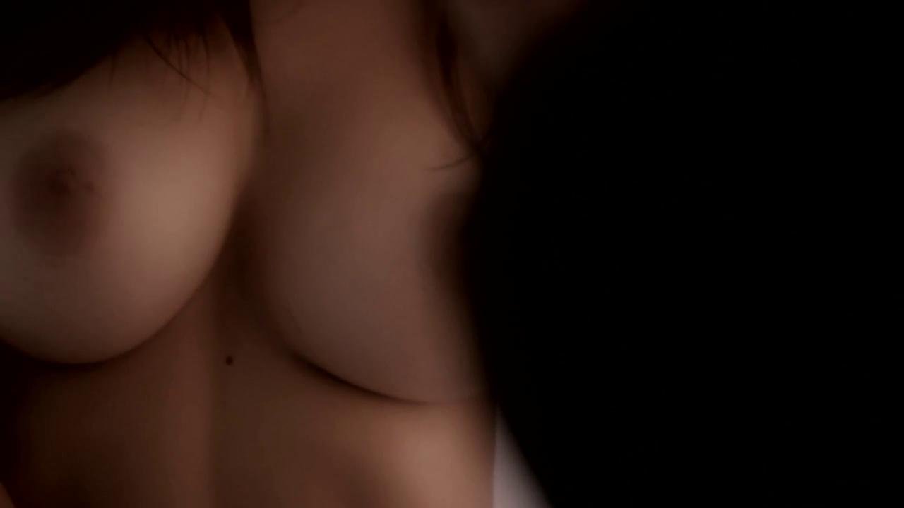 Emily Ratajkowski - °Treats Magazine(Naked)° - 23X HD Caps_07.png