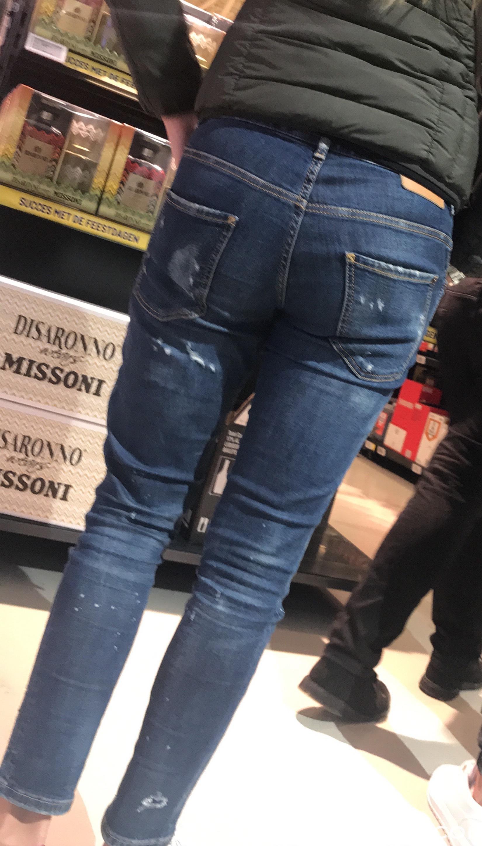 8- Hot Teens in Jeans-8.JPG