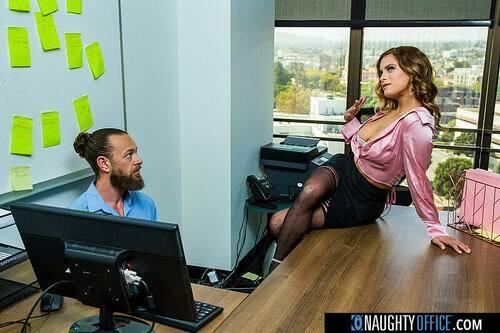 Jesse Pony - Blonde office hottie Jesse Pony fucks IT guy after hours (2021) SiteRip |